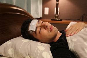 冷却シートを額に貼る感覚で睡眠の質が計測可能に ―脳波もインターネットでリアルタイムにモニターできる時代に―