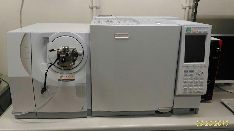 ガスクロマトグラフ質量分析計(GC-MS):島津製作所/GCMS-QP2010SE