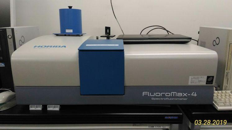 蛍光分光光度計 (Flu):堀場製作所/Fluoromax-4