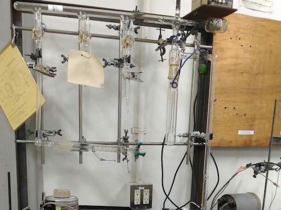 高真空昇華装置:産研試作室・産研ガラス工作室オリジナル